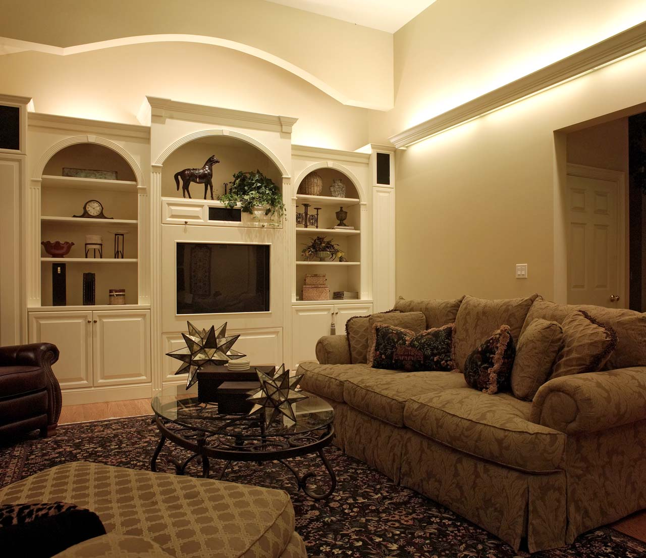 indirect lighting design. Indirect Lighting In The Family Room Adds Soft Brightness To Space Design L